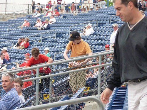 Andy LaRoche signing